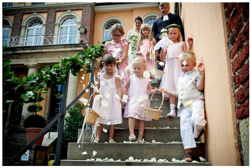 Blumenkinder Bei Einer Hochzeit Kleine Helfer Grosse Wirkung
