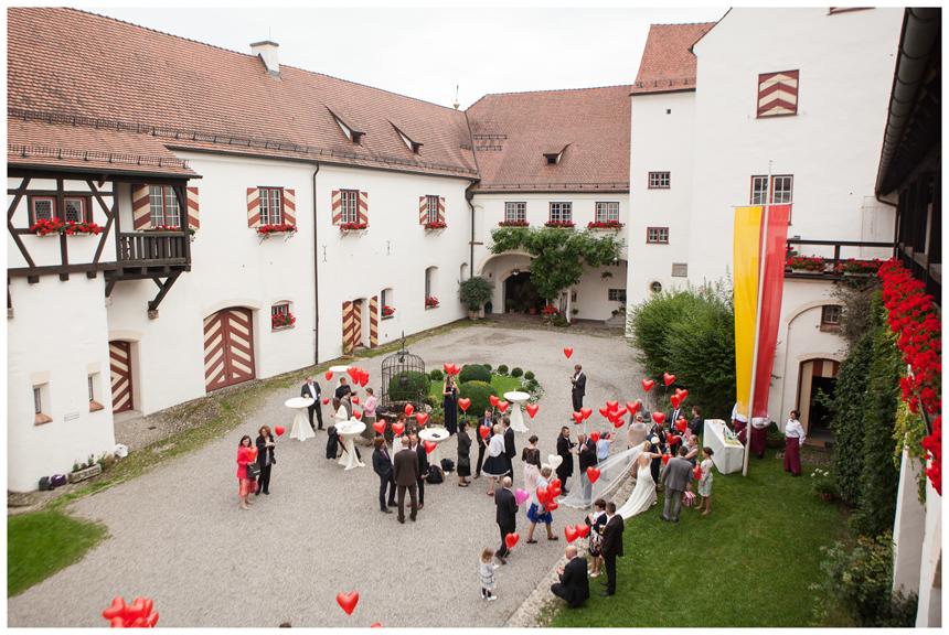46-Hochzeitsfotografin Allgaeu Schloß Kronburg Marion dos Santos